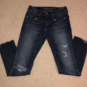 American Eagle Cropped Capri Distressing Jeans
